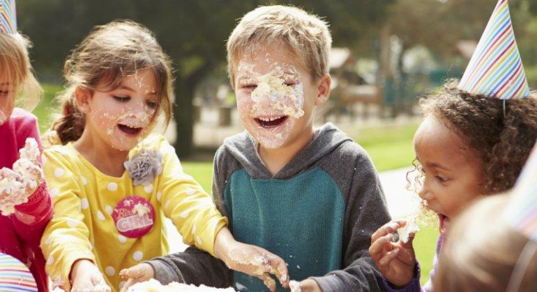 Gute Nachrichten: Um euer Geburtstagskind wunschlos glücklich zu machen, müsst ihr keine Unsummen ausgeben