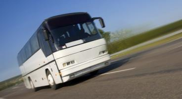 In unserem Vergleich erfahrt ihr, welcher Fernbus am günstigsten ist