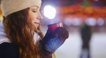 Unsere weihnachtliche Umfrage: Was kostet Glühwein auf Deutschlands Weihnachtsmärkten?