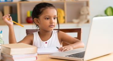 Anbieter für Online-Nachhilfe versprechen bessere Schulnoten.