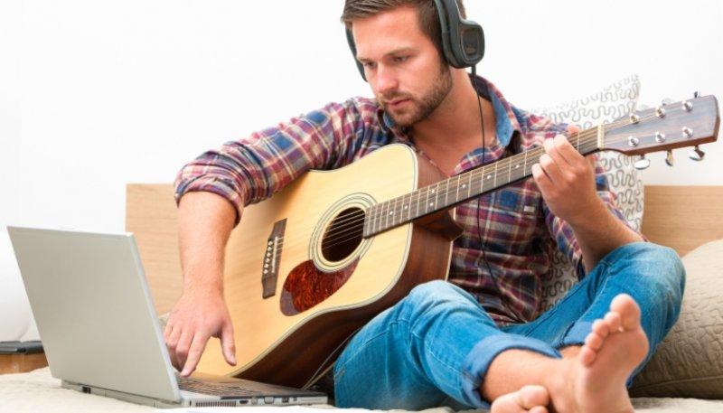 Online-Musikschulen: Eine günstige Alternative zum klassischen Musikunterricht?